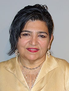 Santa Fe artist Linda Vallejo