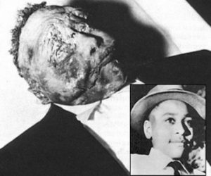 1955 photo of Emmett Till in his coffin