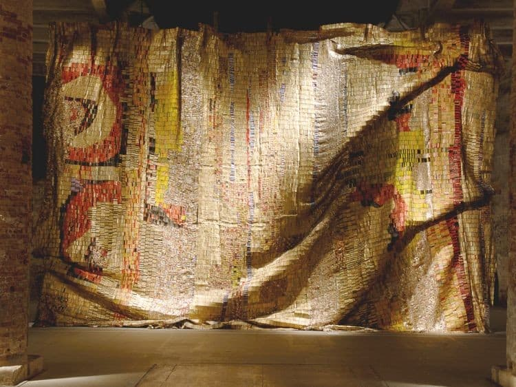 El Anatsui, Dusasa 1 (2007), found aluminum and copper wire. Courtesy of the artist and Jack Shainman Gallery, New York.