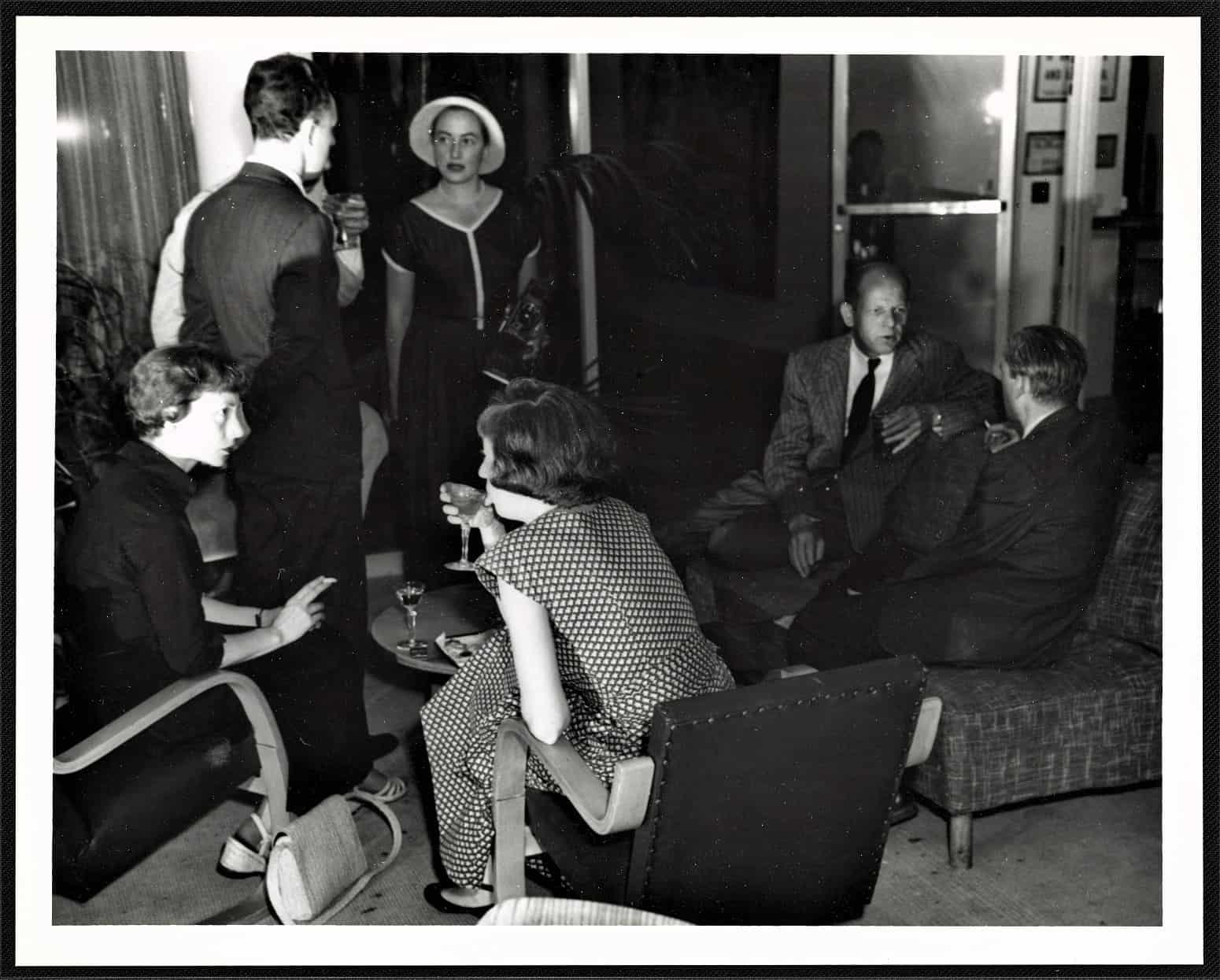 Seated from left: Elaine de Kooning, Lee Krasner, Willem de Kooning, and Jackson Pollock at the Museum of Modern Art, ca. 1950